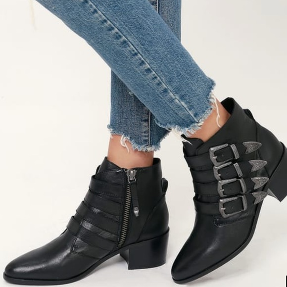 7658d996e7a NWT Steve Madden BLACK LEATHER BELTED ANKLE BOOT NWT